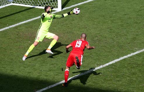 Video penalti swiss 4-5 Polandia