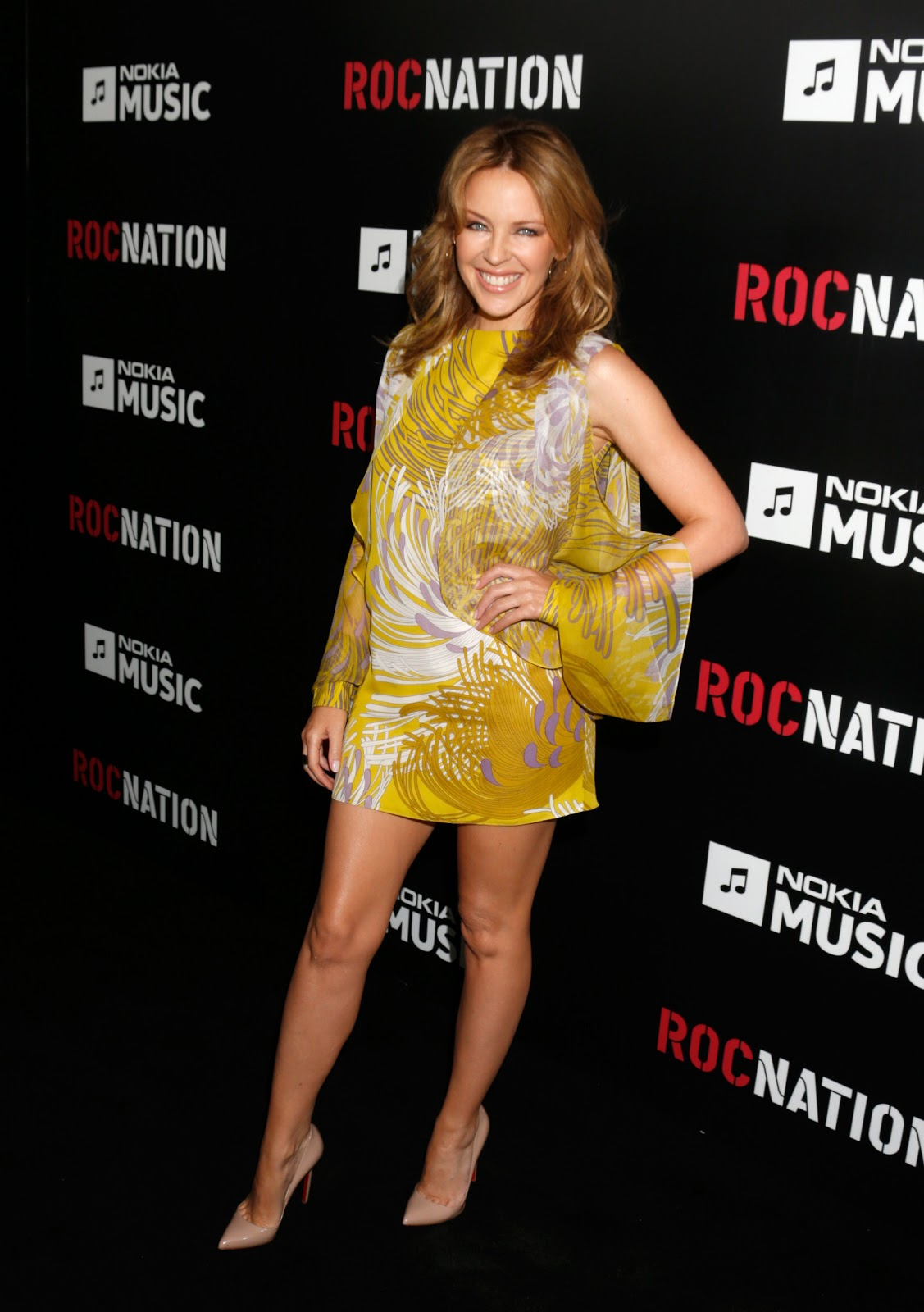 Kylie Minogue Gives Superfan Pricelesssurprises As She: The Toe Cleavage Blog: Some Singers
