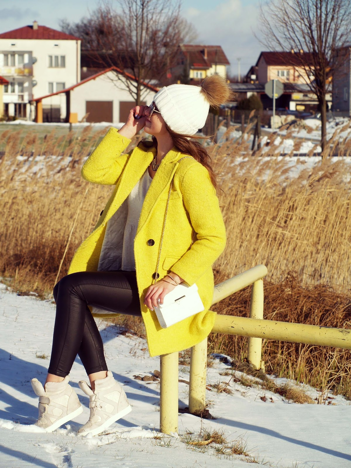 YELLOW COAT WINTER