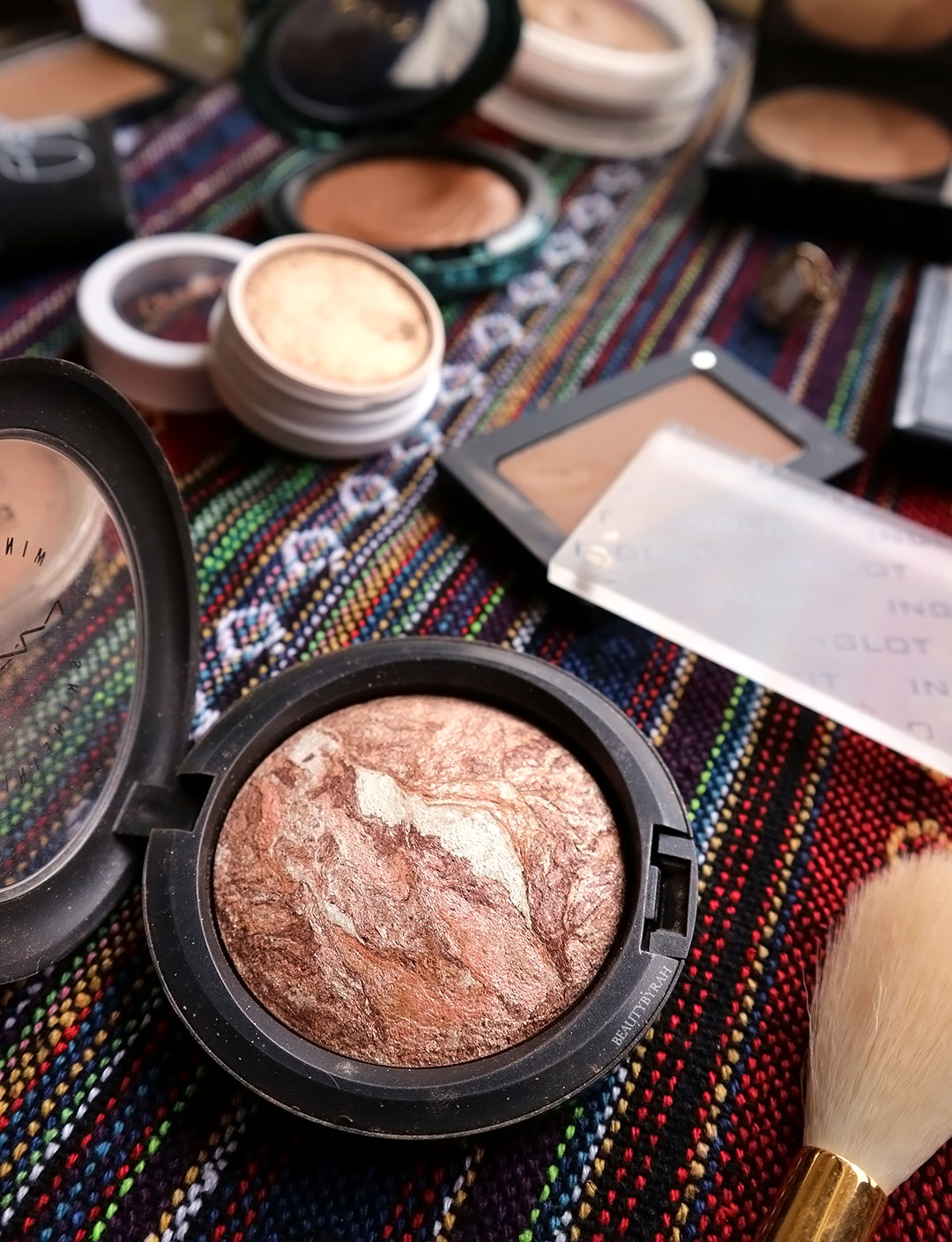 MAC Gold Spill Mineralize Skinfinish review and swatch