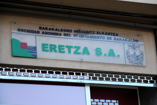 Letrero de la oficina de la sociedad Eretza
