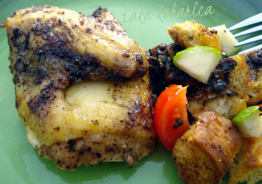 Sumac chicken and bread salad by Laka kuharica: flavorful chicken with bread salad is a truly delicious meal.
