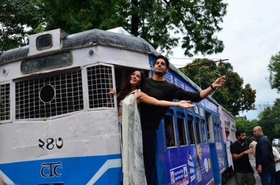 katrina kaif, siddarth malhotra baar baar dekho movie promotions in kolkata