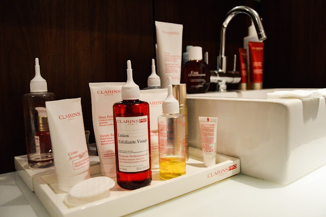 Clarins Spa Detox and Shine Stopper Facial Treatment Blogger