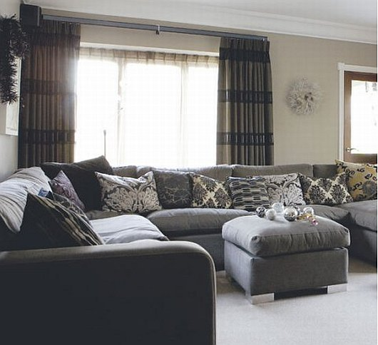Living Room Design: Black and Grey Living Room
