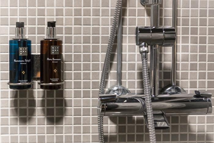 hotelli Alma huone kylpytuotteet
