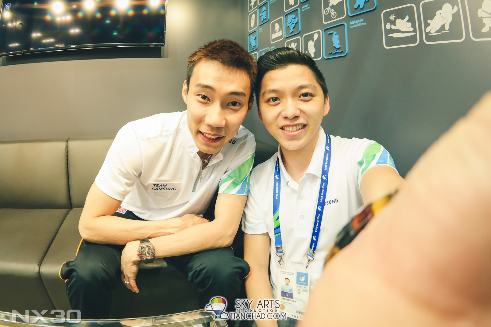 #TCSelfie with Dato' Lee Chong Wei in Korea using NX30 and the 10mm Fisheye lens