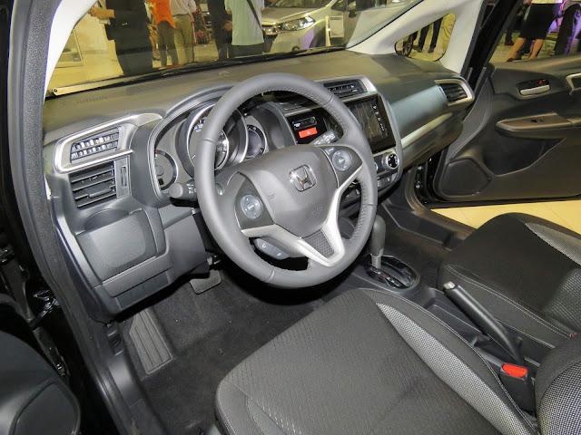 Honda WR-V 2018 - interior - espaço interno