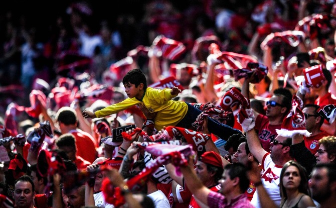 Blogs Benfica Equipa levada nas asas dos adeptos
