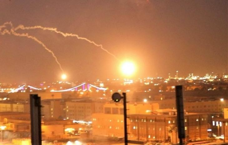 Dos cohetes impactan cerca de la Embajada de EEUU en Irak