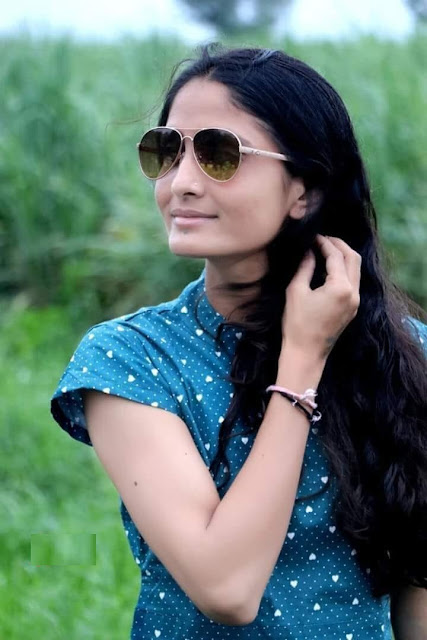 Geeta Rabari HD Photo Images