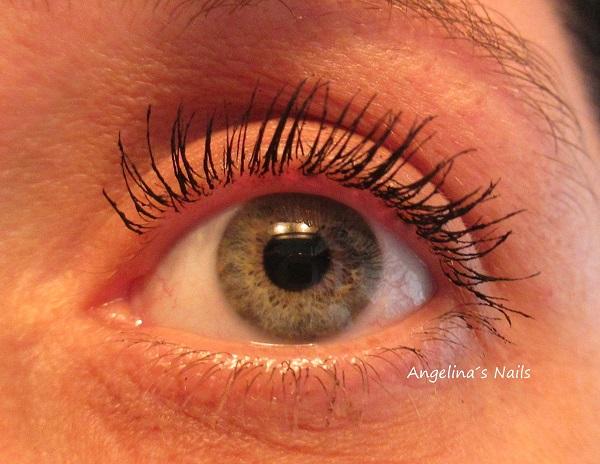8729d9b11c8 Die carbonschwarze, innovative Formel der Lacura Beauty Long Lashes Mascara  verlängert die Wimpernpitzen schon bei der ersten Anwendung.