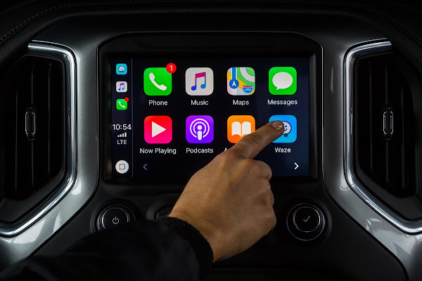 Waze for iOS updated with CarPlay and iOS 12 support