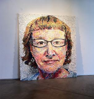 Mary Ellen Croteau - Arte con tapas plásticas - Retrato