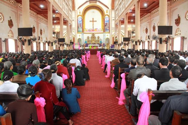 Giáo hạt Vàng Mai gồm những giáo xứ nào