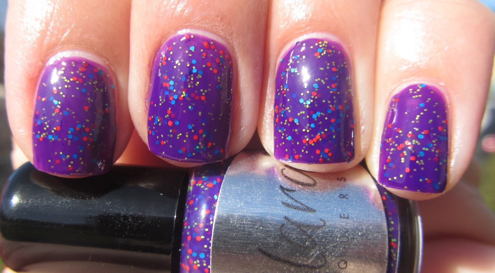 d8d133ed2ce8 Application was easy and I got great glitter payoff. The glitters are a tad  textured so I used one coat of Gelous and my nails were smooth to the touch.