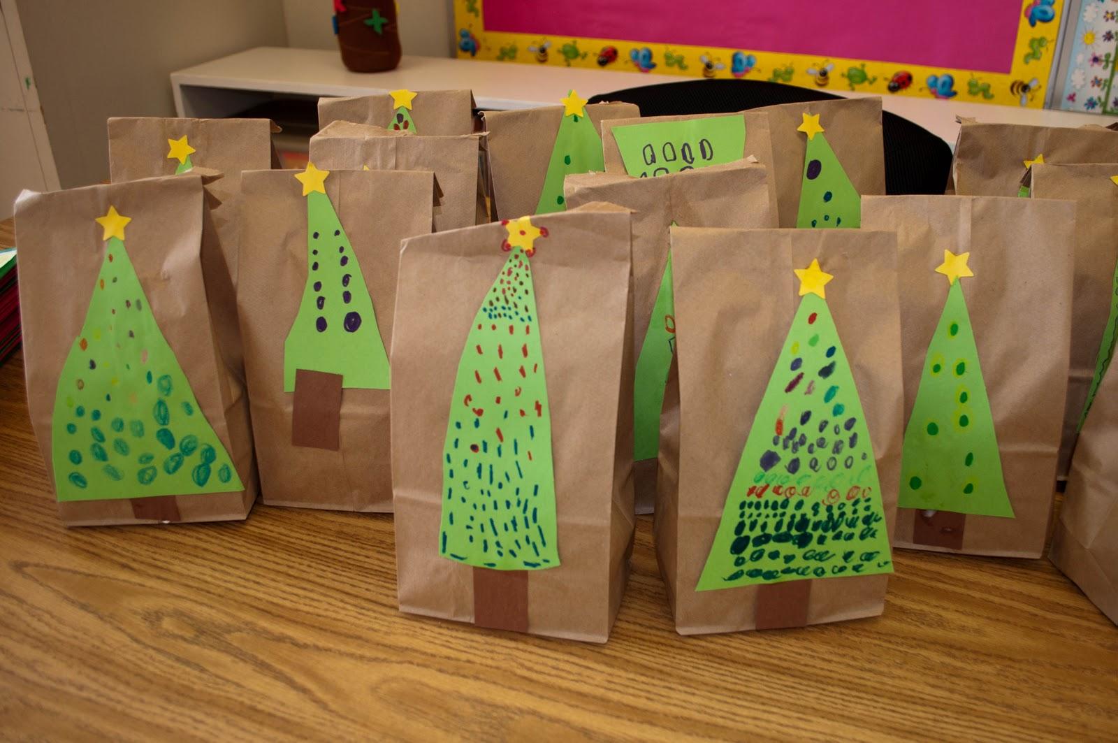 Mrs. Ricca's Kindergarten: Snowman Handprint Ornaments