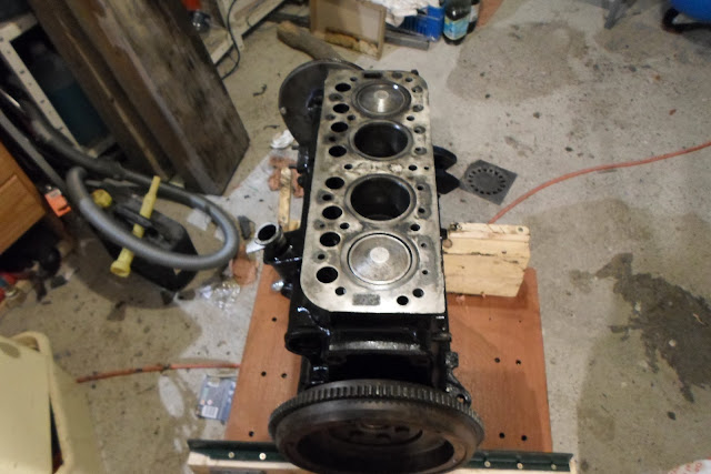 moteur Peugeot 203 sur socle