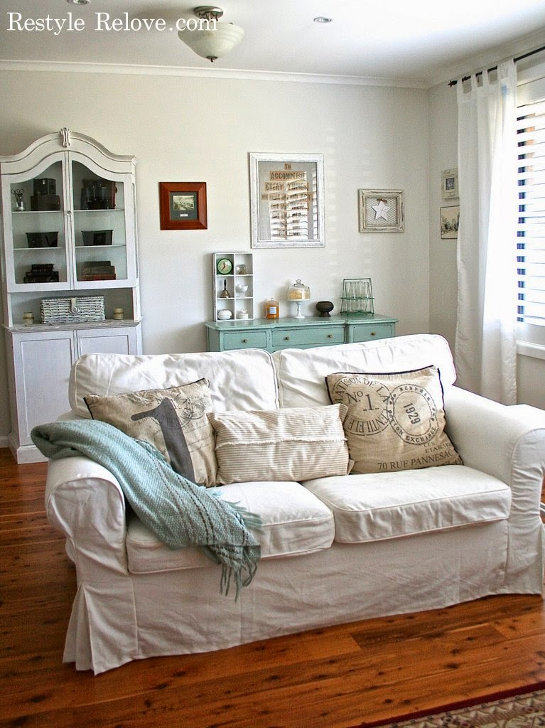 Spring Lounge Room In Dulux Natural White Tour