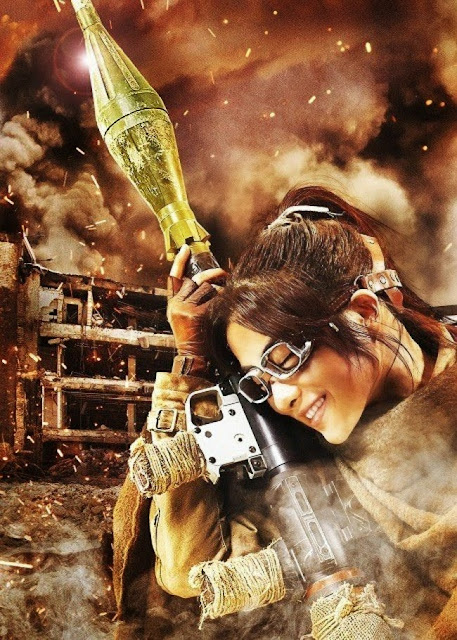 Plakat z filmu Attack on Titan na którym jest Satomi Ishihara jako Hanji Zoe