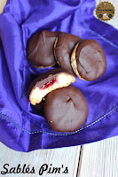 http://goulucieusement.blogspot.fr/2014/11/sables-framboises-chocolat-noir-facon.html