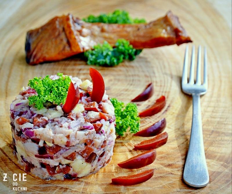 salatka z wedzona ryba, pazdziernik sezonowe owoce pazdziernik sezonowe warzywa, sezonowa kuchnia, pazdziernik, zycie od kuchni