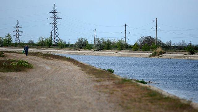 Украина построила новую дамбу, чтобы перекрыть подачу воды в Крым