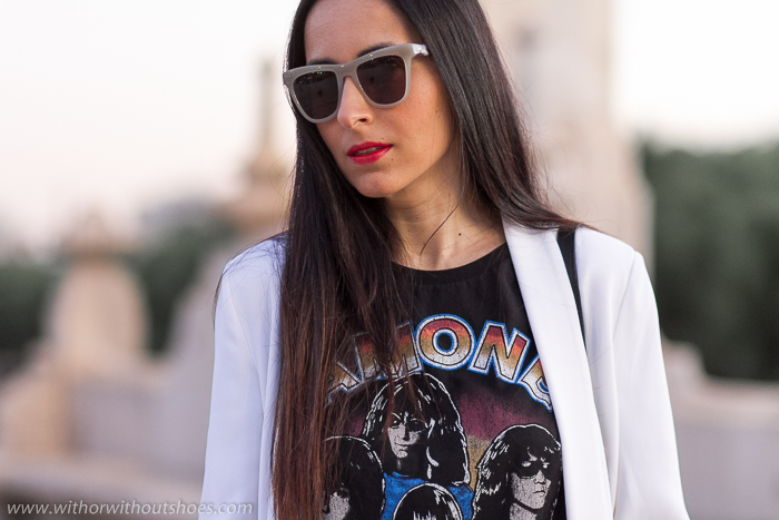 Como combinar las camisetas de Ramones en looks diarios