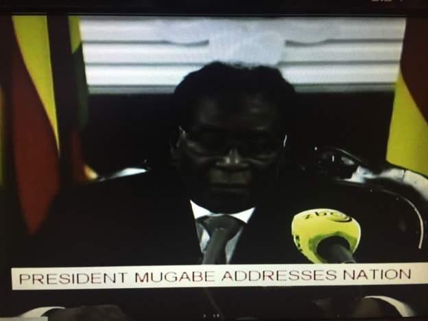 #BREAKING: #Zimbabwe's Robert Mugabe vows to stay on despite army pressure