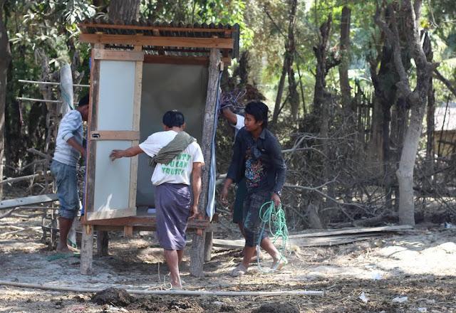အိခ်ယ္ရီေအာင္ (Myanmar Now) ● မေကြးေဒသ ေရေဘးသင့္ျပည္သူမ်ား နာလန္ထရန္ ႀကဳိးပမ္းေန