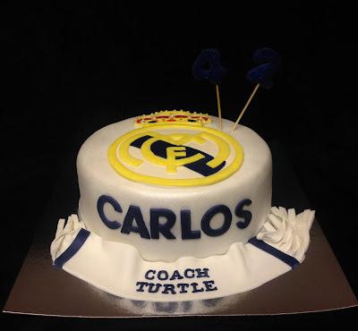 tarta real madrid; real madrid; tarta decorada; tarta fondant; futbol; bufanda; escudo; azul; amarillo; real; madrid; equipo; blanco; cumpleaños; celebración; amigos