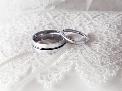 譲り受けたメレダイヤモンドで二人のマリッジリング(結婚指輪)を作りました。