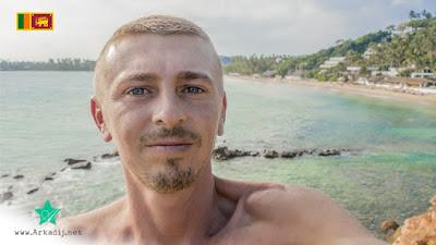 Rapper aus Leherheide in Mirissa Beach Weltreise