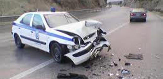 Πάλι με κόκκινο πήγαν να περάσουν οι αστυνομικοί? τροχαίο στη Θεσσαλονίκη: Περιπολικό συγκρούστηκε πλαγιομετωπικά με αυτοκίνητο