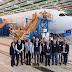 Hartung e comitiva visitam fábrica da Boeing