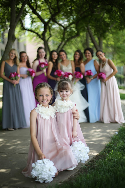 flowergirls in pint atMarina Inn Sioux CIty wedding