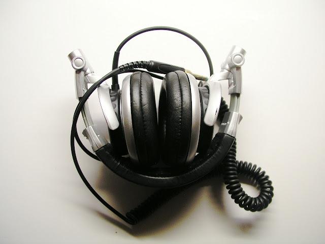 Sony MDR V700 headphones