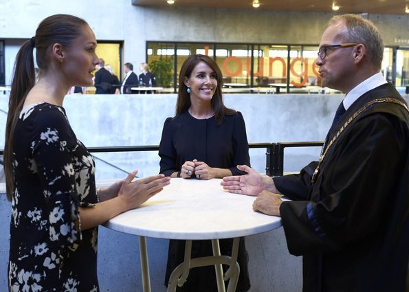 Princess Marie visited SDU in Odense to attend the welcoming ceremony for new international students. is wearing Zara