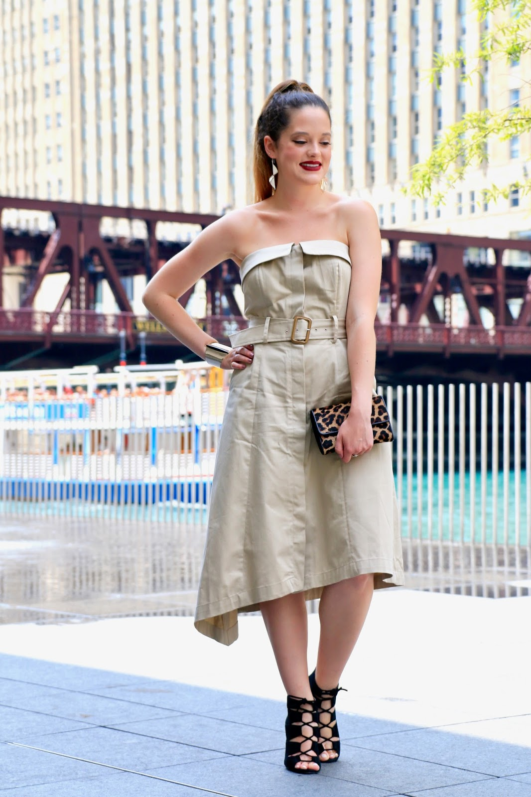 NYC Fashion blogger Kathleen Harper wearing a strapless dress