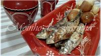 http://moinhodefarinha.blogspot.pt/2016/06/sardinha-assada-com-batata-cpele.html