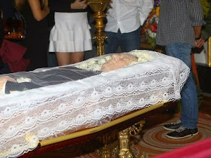 Body of Paulo Goulart arrives at the Theatro Municipal de São Paulo