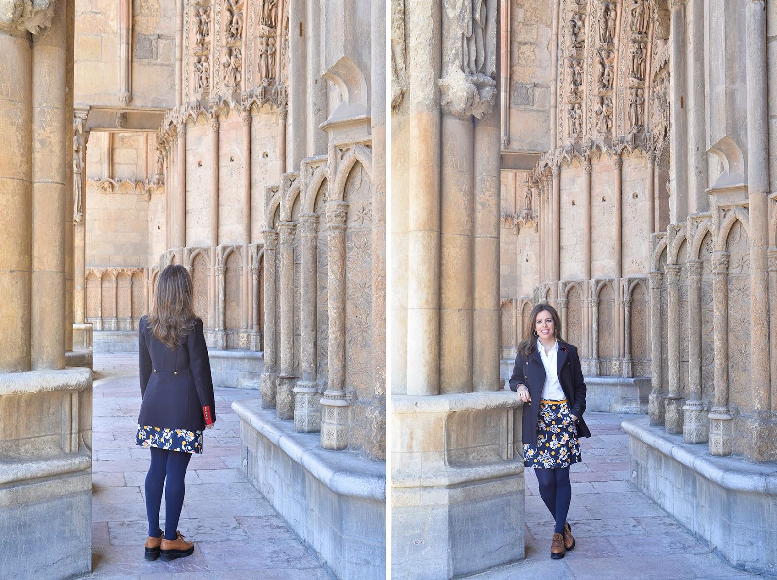 teacher outfit travel tommy hilfiger dot skirt catedral leon españa