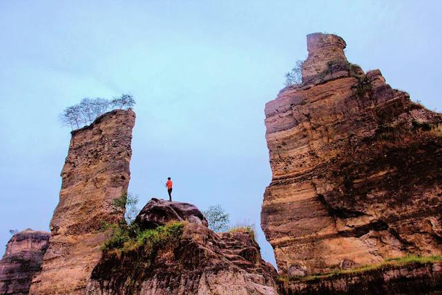 foto pemandangan brown canyon semarang