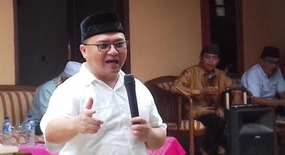 Gubernur Kepulauan Bangka Belitung Mewajibkan PNS Shalat Subuh Berjamaah