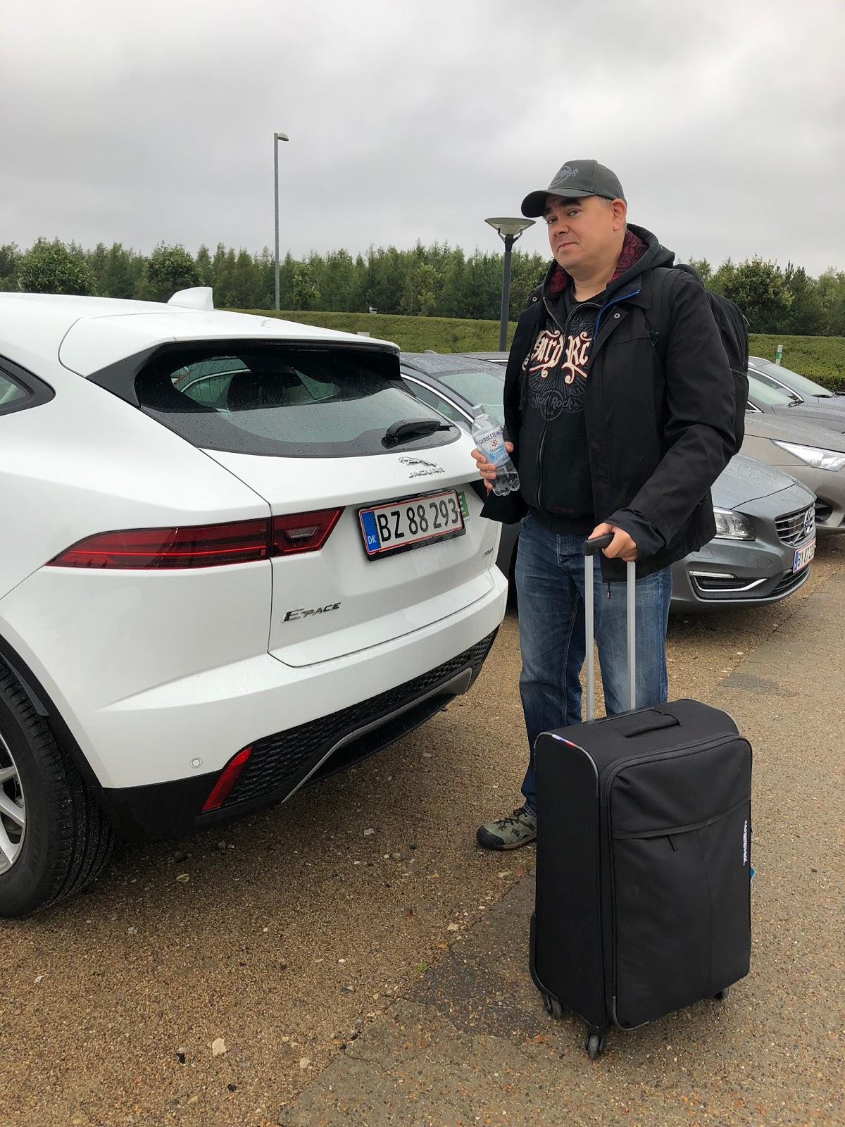 Jaguar E-Pace Europcar Billund lentoasema eronhetki