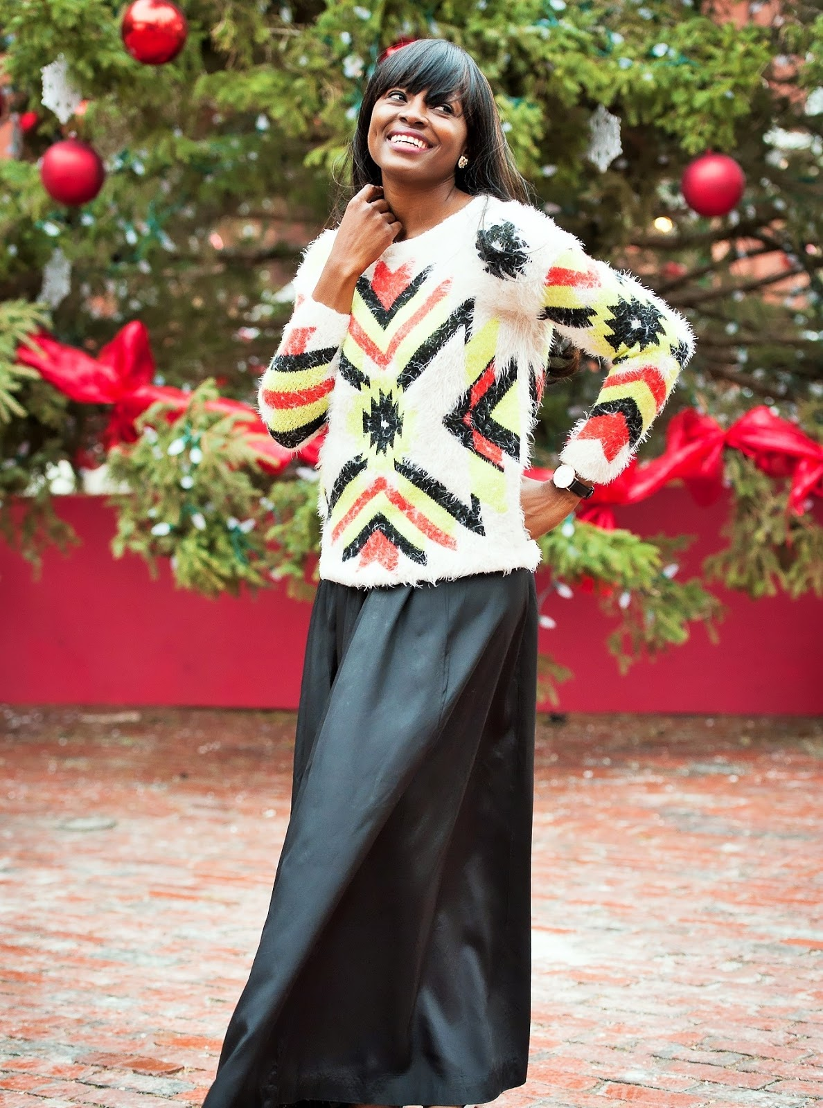 WINTER CHILLS AND HOLIDAY CHEERS // PRINTED SWEATER & MAXI SKIRT