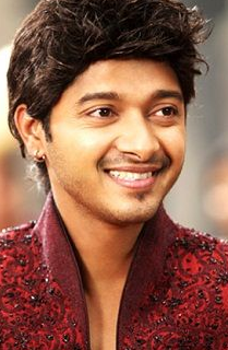 Shreyas Talpade movies, wife, upcoming movies, wiki, age, biography