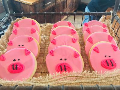 Sugar cookies decorated as pigs