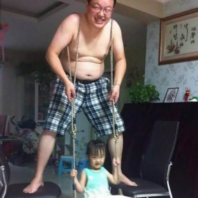 Os pais fazem zoeira quando ficam sozinhos com os filhos