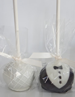 Cake Pops and Edible Wedding Favors in Valencia CA serving the whole Santa Clarita Valley!